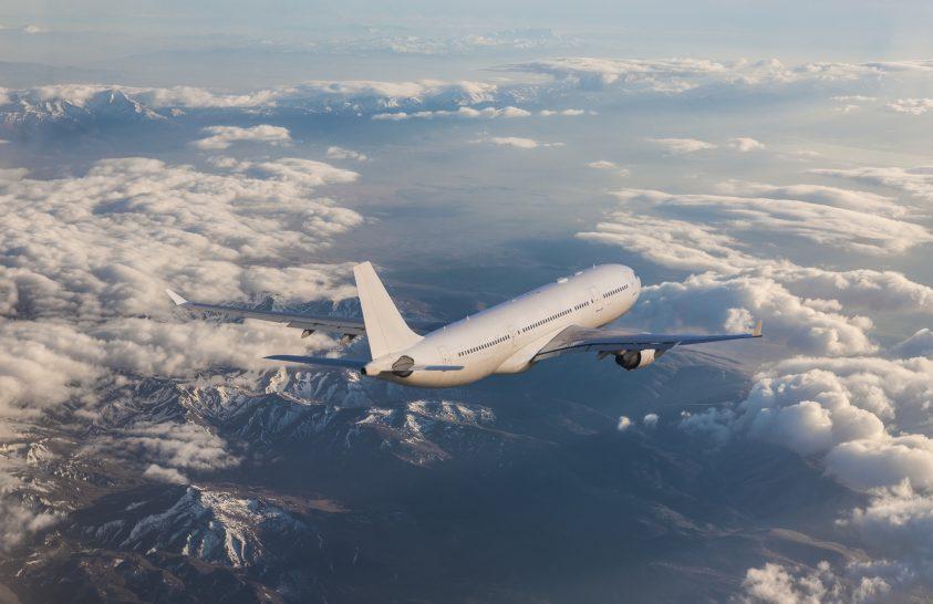 Svéd kutatók javasolják, csökkentsük a repülőutak számát