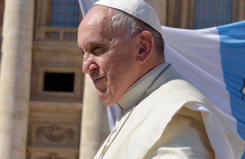 Az olajipar vezetőivel tárgyalt a pápa