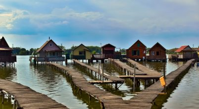 Lebegő Falu (Bokodi-tó)