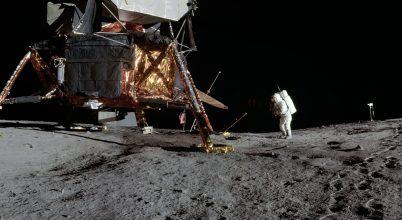 Páratlan képekkel tisztelegnek a holdraszállások előtt