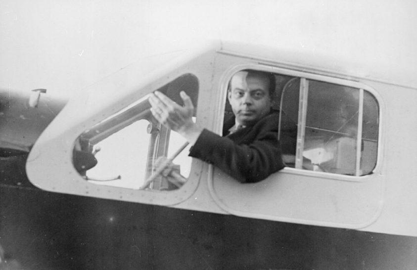 Szenvedélye volt az írás és a repülés