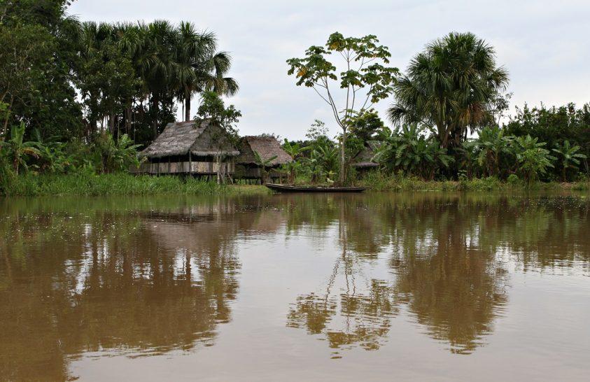 Elzártan élő amazonasi törzstagról készült felvétel