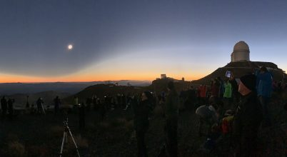 Napfogyatkozás a chilei óriástávcsövek közelében