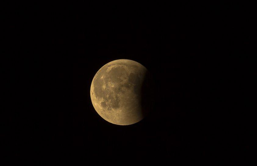 Elmarad Indiai történelmi Hold-missziója