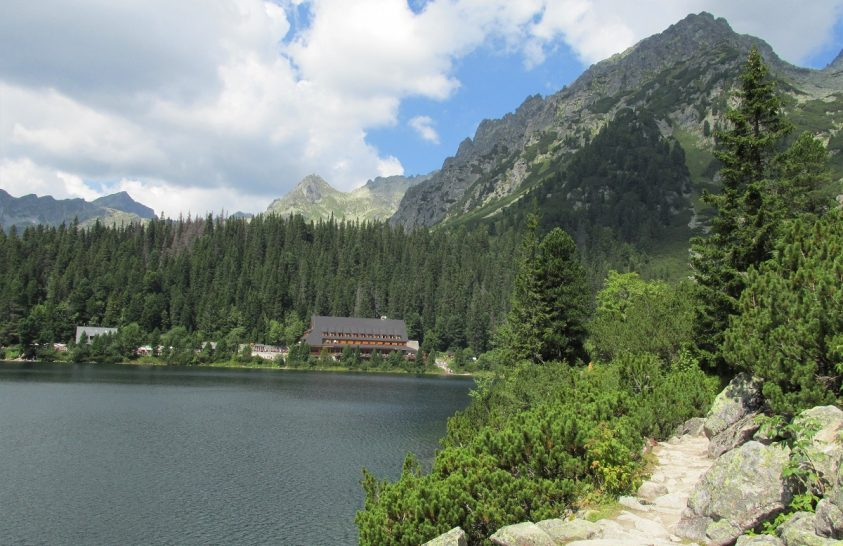 A Magas-Tátra egyik gyöngyszeme: a Poprádi-tó