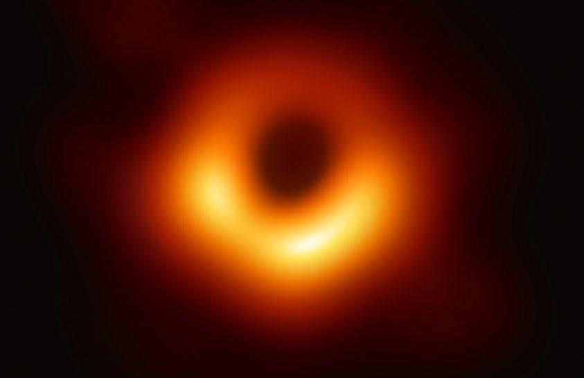 """A fekete lyukról készült kép nyerte a """"tudományos Oscart"""""""