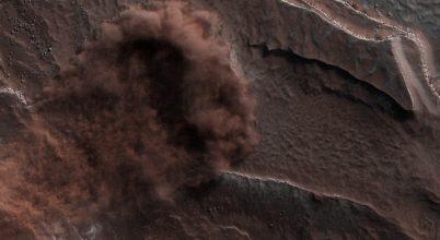 Hegyomlást örökítettek meg a Marson