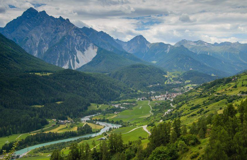 A hegyek sem nőhetnek az égig