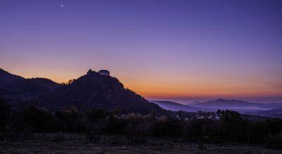 A nap képe: Pirkadat Holddal