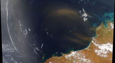 Űrfelvétel koncentrikus hullámfelhőkről