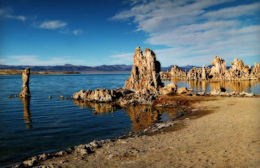 Arzéntűrő fonálférgeket találtak a Mono-tó iszapjában