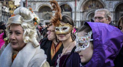 Turistaszámlálás lesz a velencei karneválon