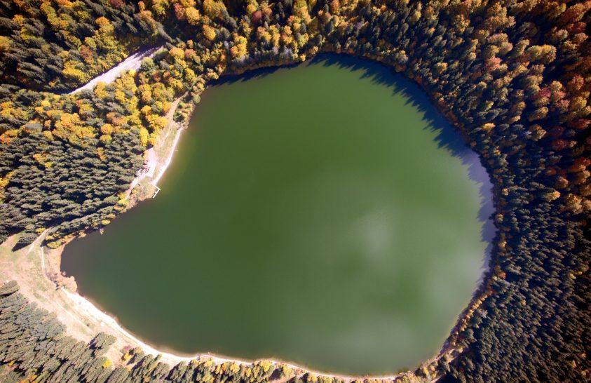 A Szent Anna-tó vízminőségének javítására van szükség