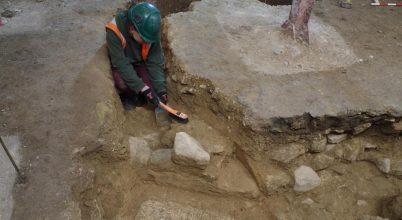 Egy angolszász koronázási kolostor maradványaira bukkanhattak