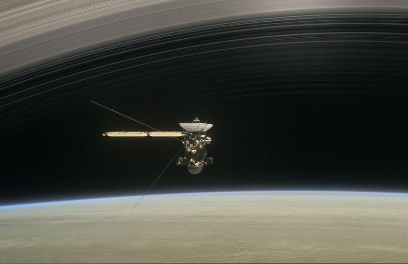 A Cassini utolsó felvételei a Szaturnusz sarki fényeiről