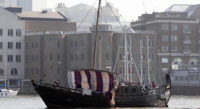Egy föníciai vitorláshajó újonnan felépített mása szelte át az óceánt