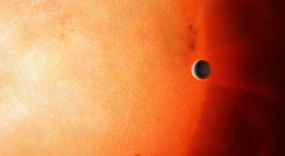 Elképesztő gyorsasággal keringő bolygót találtak