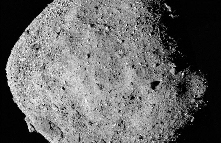 Nevet kaptak a Bennu kisbolygó egyes felszíni alakzatai