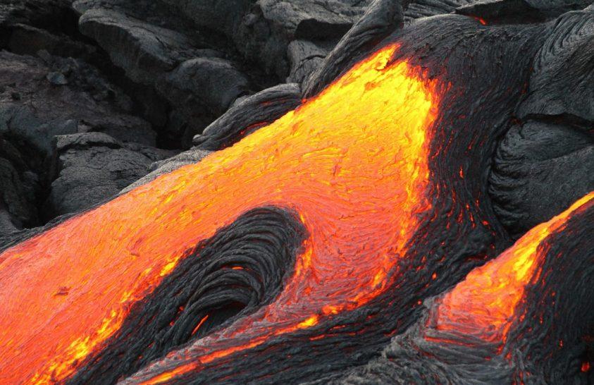 Közel százéves bombákat találtak egy vulkánban