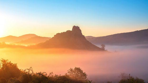 A nap képe: Bagolyvár és a ködtenger