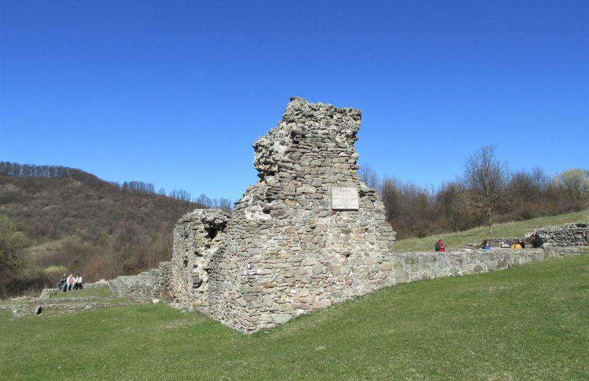 Pálos kolostorok Klastrompusztán és Pilisszentléleken