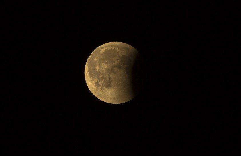Árverésre kerül egy kőzet a Holdról
