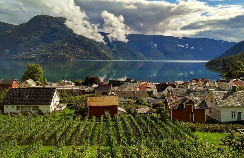 Európa leghosszabb és legmélyebb fjordjánál