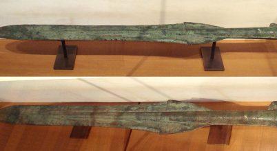 Hogyan harcoltak egy bronzkori karddal?