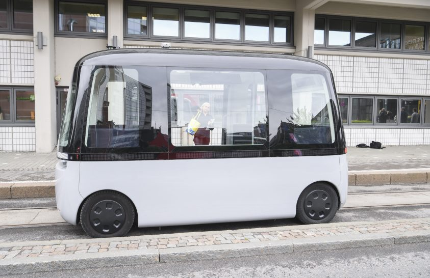 Önvezető kisbusz Helsinkiben