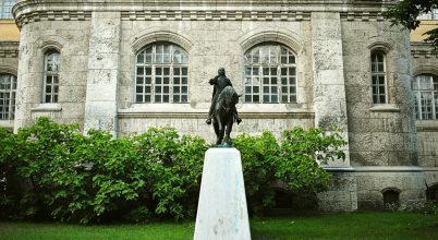 Hunyadi János szobor
