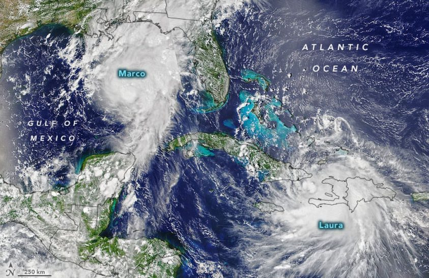 Két ciklon a Mexikói-öbölben