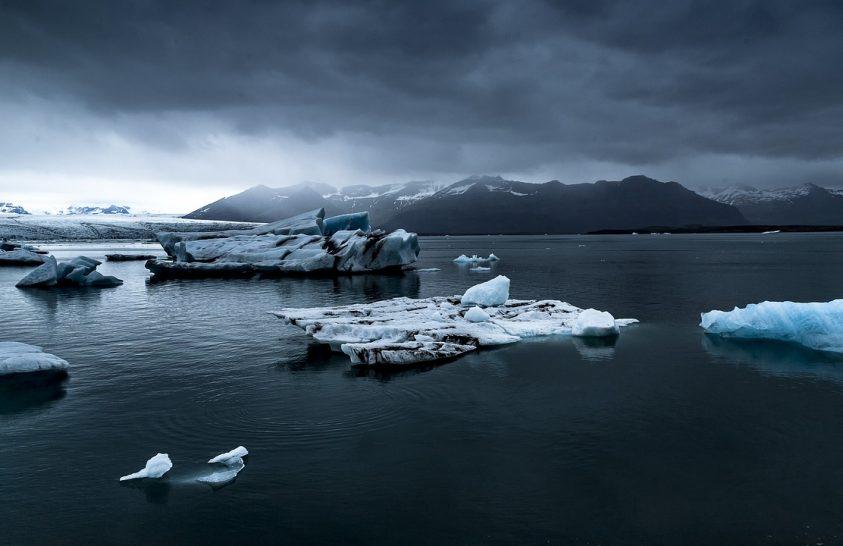 23 év alatt 28 billió tonna jeget vesztett a Föld