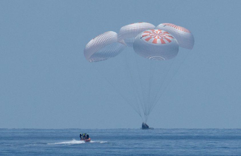 Sikeresen hazatért a NASA két űrhajósa