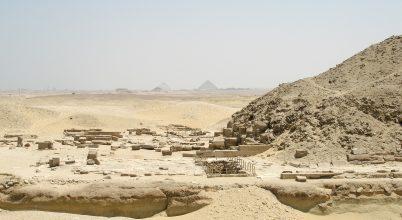 Több mint egy tucat jó állapotú szarkofágot találtak Egyiptomban