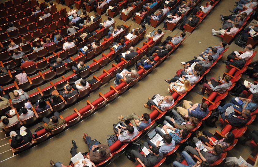 Az online konferenciák szén-felhasználása 3000-szer kisebb