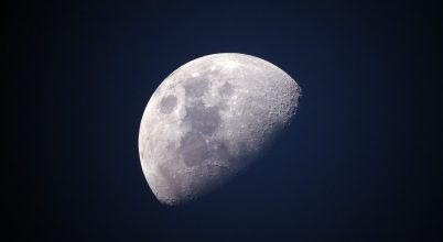 Különleges anyagot találtak a Holdon