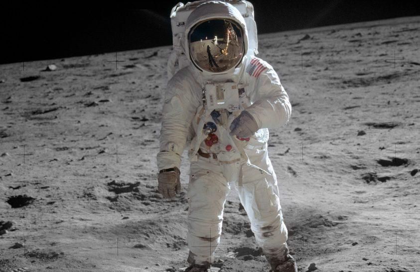 Korábban nem látott módon elevenedik meg a Holdra szállás