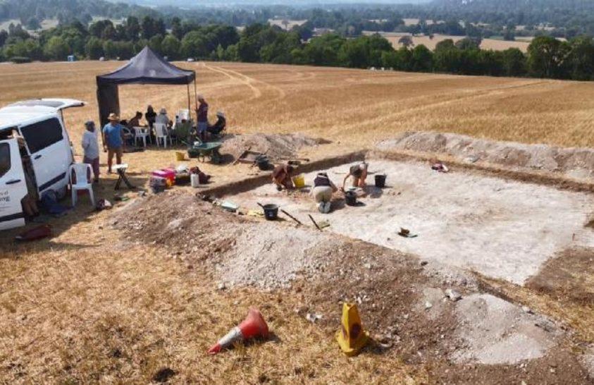 Angolszász hadúr sírjára bukkantak