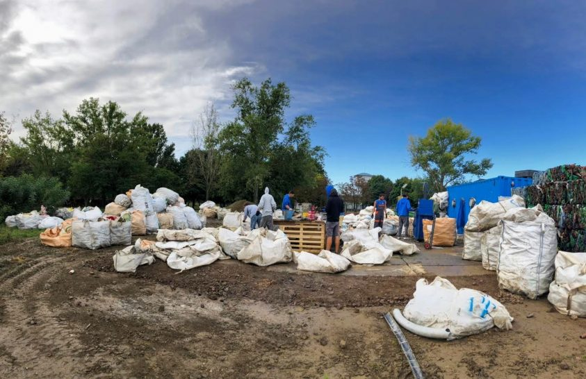 Újabb adag hulladék került ki a Tiszából