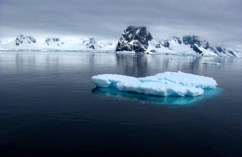Késik a fagy a tengeri jég bölcsőjében