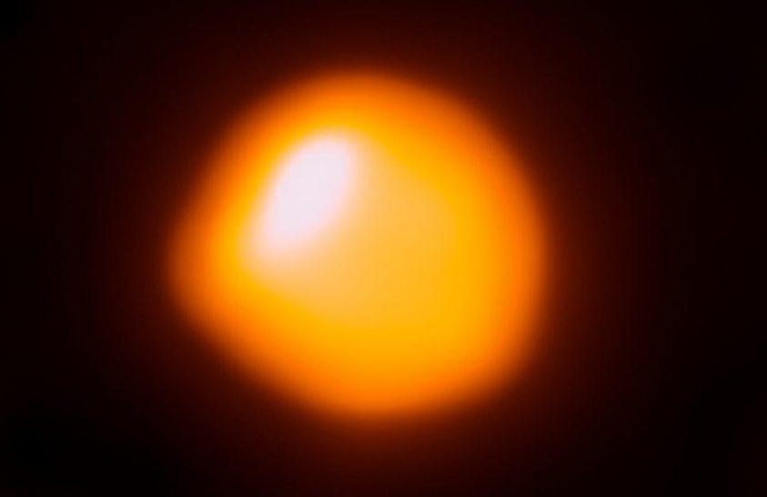 Közelebb van a Földhöz a Betelgeuse, mint eddig gondolták
