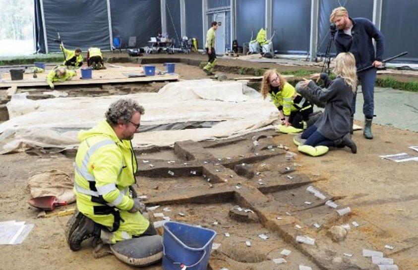 Újabb leletekre bukkantak a ritka viking hajósír közelében