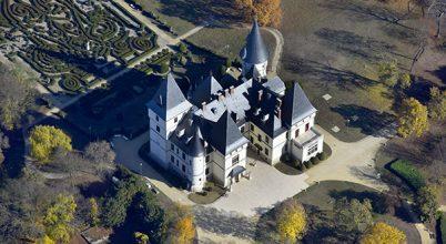 Bronzkori sírok kerültek elő a tiszadobi Andrássy-kastély parkjában