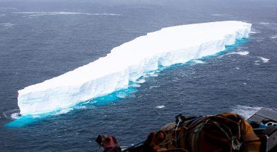 Töredezik az elszabadult jéghegy