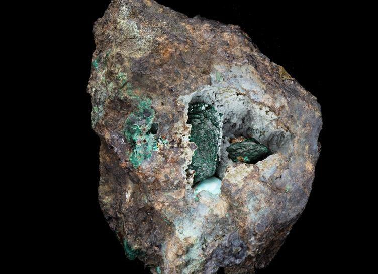 Új ásványt fedeztek fel a brit Természettudományi Múzeum gyűjteményében