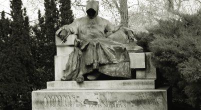 A névtelen jegyző szobra