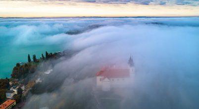 A nap képe: Tihanyi Apátság felhőpaplanban