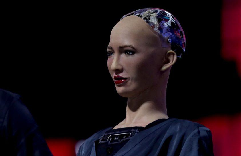Elkezdődik a betegápoló humanoid robot tömeggyártása