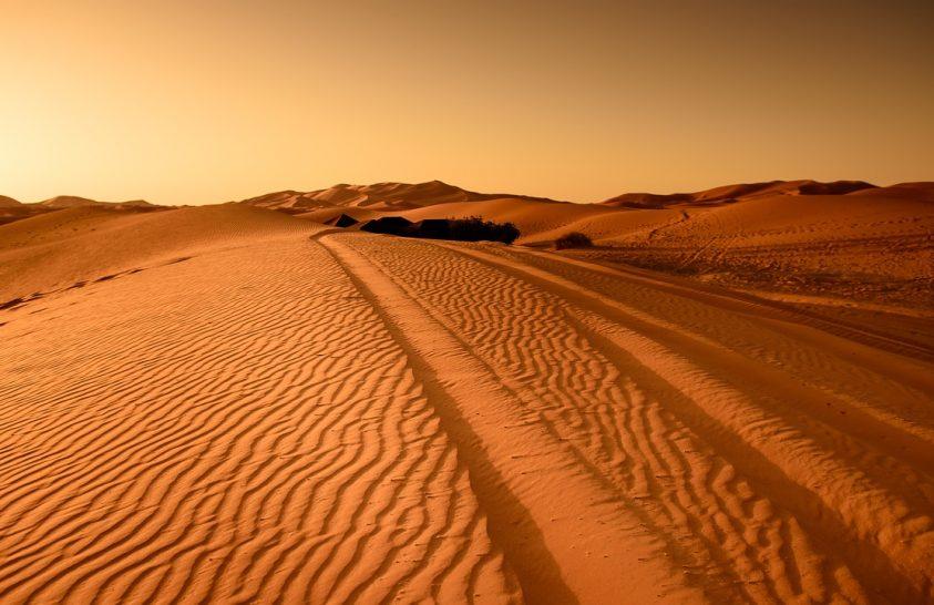 Jég fedte be a szaharai homokdűnéket
