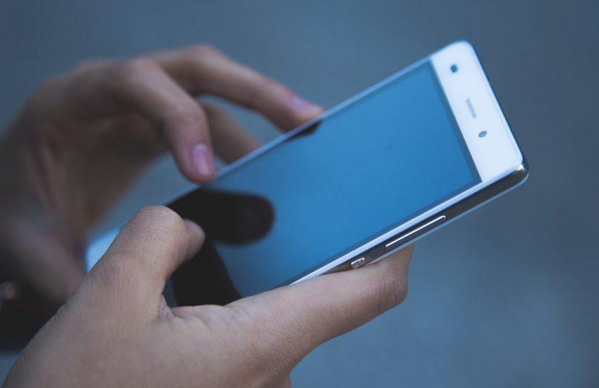 Mobiltelefon-függőek az ausztrálok